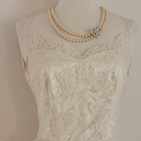 1950's  Wedding Dress - Button Back, Sweettheart Neckline with  White Lace /  Satin Cream
