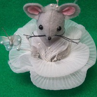 Miss Lily MumseyMouse..A Handmade Felt Mouse in a Lily | MumseysMouseHouse - Floral on ArtFire