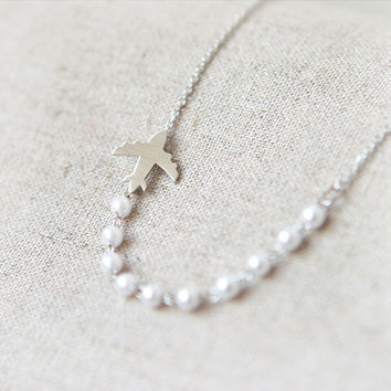 Airplane and pearls Necklace in silver