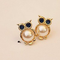 beautiful pearl owl earrings