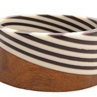 Zad resin and wood bracelet - Shop Pop Shopping Cart