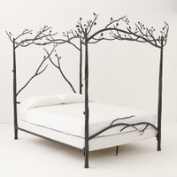 Forest Canopy Bed | Anthropologie.eu