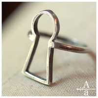 $75.00 Sterling silver keyhole ring by ArmsandArmory on Etsy