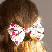 Vintage Floral Print Hair Bow (larger) from Glitter & Trauma