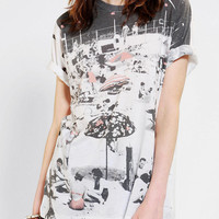 Urban Outfitters - Mighty Fine Beach Scene Tee