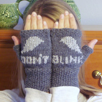 "Doctor Who Weeping Angels ""Don't Blink"" Fingerless Gloves"