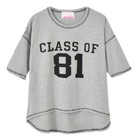 CLASS OF 81 Print T-shirt with High Low Hem in Grey