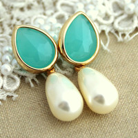 Mint Bridal jewelry Pearls Rhinestones and gold earrings - 14K Gold  plated earrings with white Majorica perfect pearl.