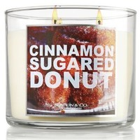 Amazon.com: Bath and Body Works Slatkin & Co. Cinnamon Sugared Donut Scented Candle 14.5 Oz: Home & Kitchen