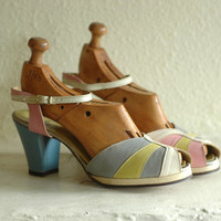 vintage 1940s platforms / 40s multi-color shoes  / size 6.5