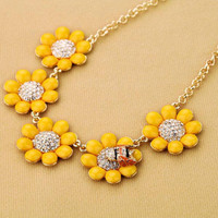 Sunflower and Bee Cute Necklace 01