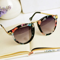 Flora Print Cat Eye Sunglasses 09
