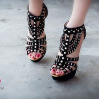 Wild Rose Roza39x Strappy Studded Platform Sandal (Black) - Shoes 4 U Las Vegas