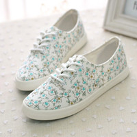 Pure and fresh and lovely small floral canvas shoes,lovely