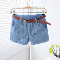 Lace shorts with belt