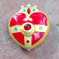 Sailor Moon S Cosmic Heart Compact Brooch Locket Cosplay Doll PROP