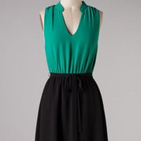 Sleeveless V- Cut Dress - Jade/Black | Bellum&Rogue