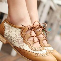 Oxford Vintage Lace Shoes from sniksa