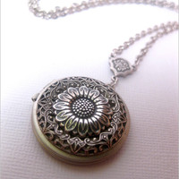Silver Daisy Flower Locket