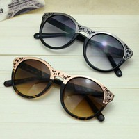 Cute Cat Eye Sunglasses with Cut Out Frame NE463