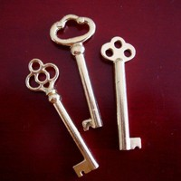 SteamPunk Gothic Special 3 SKELETON KEYS GOLD by ParadiseFindings