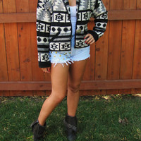 vintage southwestern, aztec crop like jacket. size S to M