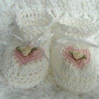 MADE TO ORDER Be Mine Crochet Baby Booties For Newborn In White And Pink French Cotton By Amartebaby