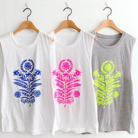 Big flower Printed sleeveless t shirt(vintage women men unisex girl unique graphic text)