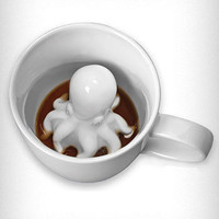 Sneaky Octopus Mug | PLASTICLAND