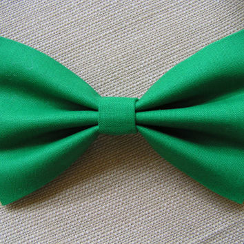 Kelly green color hair bow, Fabric hair bows, hair bows for women, hair bows for teens, fabric bow, bow