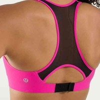 bitty bracer | women's bras | lululemon athletica