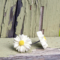 Sweet Daisy Earrings. Hippie Chic Fashion. Bohemian Style Carved Look Flowers Studs.