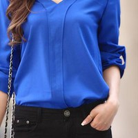 Casual V-neck shirt from shoplayla