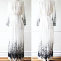 Vintage Japanese Dress// 1970s Dress// Goddess Poetry Dress// White Maxi Dress// Japan small