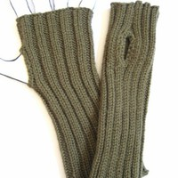 World War Two (WWII) Wristlets Knitted from Original WW2 Pattern