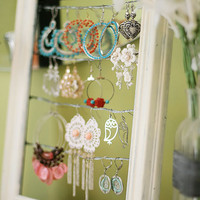 Tutorial: Shabby Chic Dangly Earring Display | Kevin & Amanda