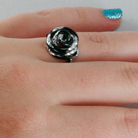 Thumb Or Any Finger Rose Ring Black and Silver Aluminum