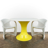 SALE 1970s Fiberglass Tulip Dining Table Free Shipping