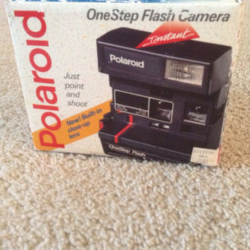 Vintage Polaroid OneStep Flash Instant Camera In Box