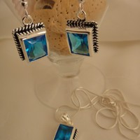 Natosgi Swiss Blue Topaz Earring Necklace Set
