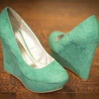 Qupid Worthy-01 Sea Green Suede Round Toe Wedge Heel