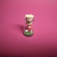 Tiny red tree and a couple in a tiny bottle ver.1 B
