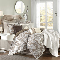 Bellville Comforter Set