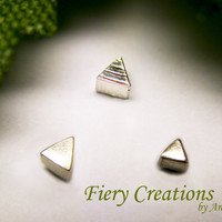"Nose Screw or Tragus stud ""Geometrics"" -  tiny Triangles in Sterling silver"