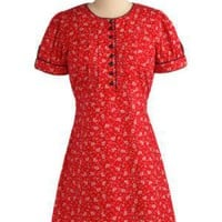 Retro Reveler Dress in Blooms | Mod Retro Vintage Printed Dresses | ModCloth.com