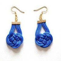 $35.00 Knottedcobalt blue by Muntedkowhai on Etsy