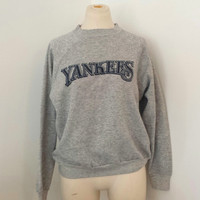 Vintage Yankees Sweatshirt - 1980s - Heather Gray w Yankee Logo -  Vintage Baseball Sweatshirt - Sz S/M