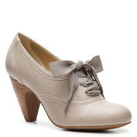 Crown Vintage Cherilyn Oxford Pump