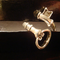 Steampunk Skeleton Key Ring in Antique Silver - Adjustable (1165)