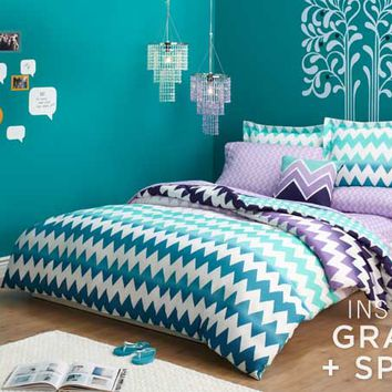 chevron girls room aeropostale from a ropostale things i. Black Bedroom Furniture Sets. Home Design Ideas